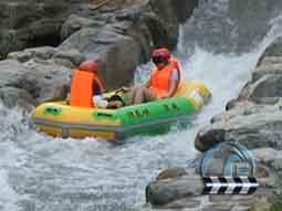 槽式漂流船景区游乐项目体验